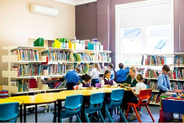 St Andrews Catholic Primary School Malabar - students reading books in the Library